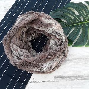 Loft| Faux Fur Circle Scarf Gray Brown Soft